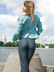 Bubble booty gets caught by tight jeans