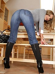 Jeans Girls pics gallery