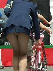 pantyhose no panties up skirt foto