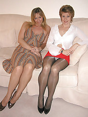 pantie hose under skirt foto