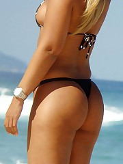 Girls in bikinis expose great butts