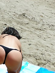 Ass sexy view in the cute bikinis