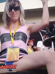 Crazy sitting upskirt! She spreaded her legs in mini skirt! candid upskirt