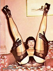 Kinky nude Betty Page upskirt pantyhose
