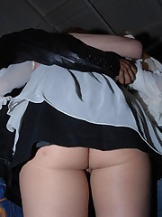 These celebrities never wear panties and always get shot celebrity upskirt