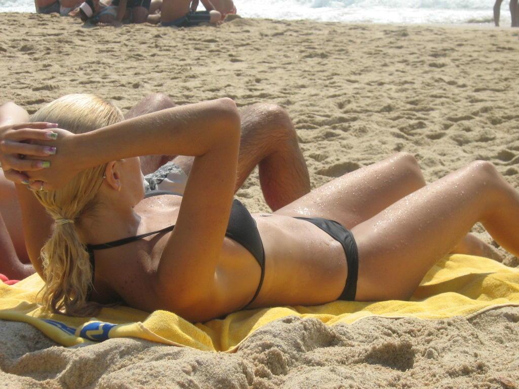 Hottest bikini ass