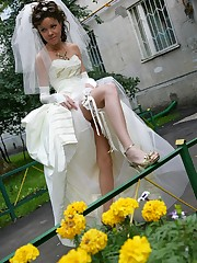 Gellery of Hot Bride In Wedding Dress upskirt pic