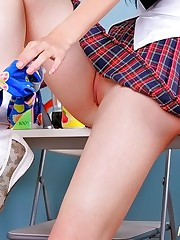 Planet Upskirt sexy upskirt show girl up skirt pic