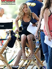 Jennifer Aniston upskirt pictures upskirt no panties